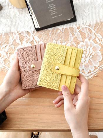 Γυναικείο πορτοφόλι με δαντέλα και χώρο για πιστωτικές κάρτες
