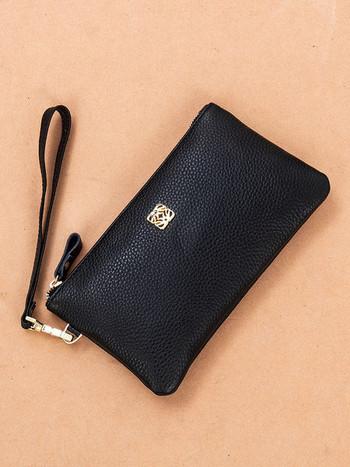 Γυναικείο πορτοφόλι από οικολογικό δέρμα με φερμουάρ και κοντή λαβή