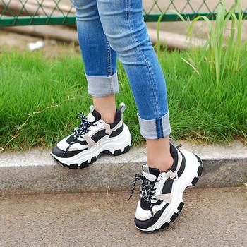 Нов модел ежедневни дамски обувки с груба подметка
