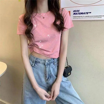 Дамска тениска с лъскав ефект - къс модел