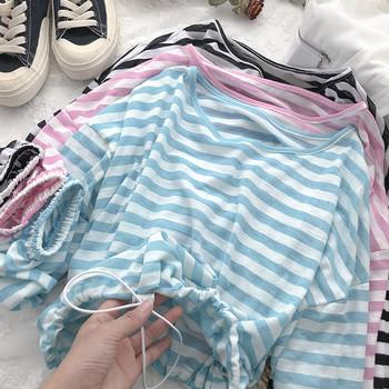 Раирана дамска блуза с О-образно деколте
