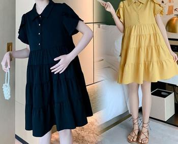 Μοντέρνο φόρεμα με κουμπιά για έγκυες γυναίκες