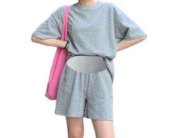 Τρέχον γυναικείο σετ σορτς και μπλούζα για έγκυες γυναίκες