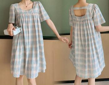 Μοντέρνο γυναικείο καρό φόρεμα με τετράγωνο ντεκολτέ για έγκυες γυναίκες