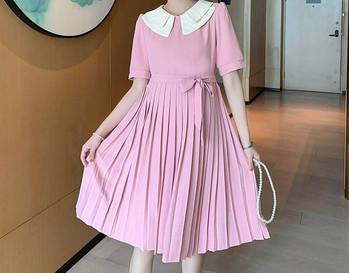 Μοντέρνο πλισέ φόρεμα για έγκυες γυναίκες