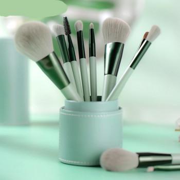 Σετ από πολλές βούρτσες κατάλληλες για μακιγιάζ