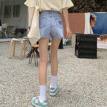 Къси дънки с джобове и скъсани мотиви-за жени