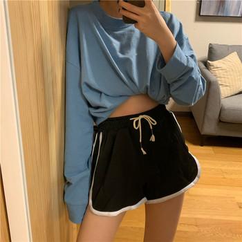 Къс дамски спортен панталон с връзки и кант