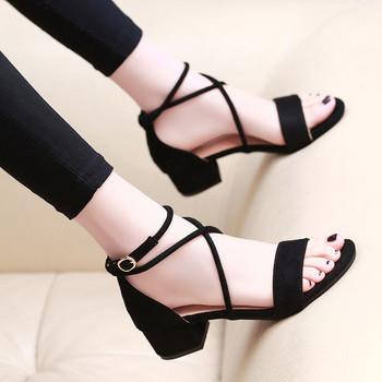 Ежедневни дамски сандали от еко велур с нисък квадратен ток