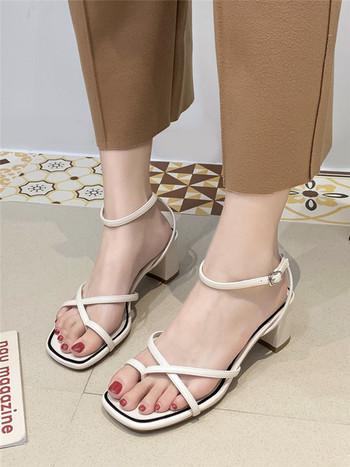 Стилни дамски сандали изчистен модел с висок ток