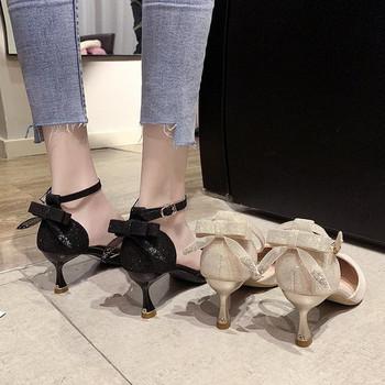 Стилни дамски сандали заострен модел с панделка