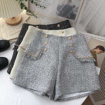 Къси дамски панталони с висока талия и златисти копчета
