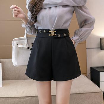 Дамски къси панталони с висока талия и метална декорация